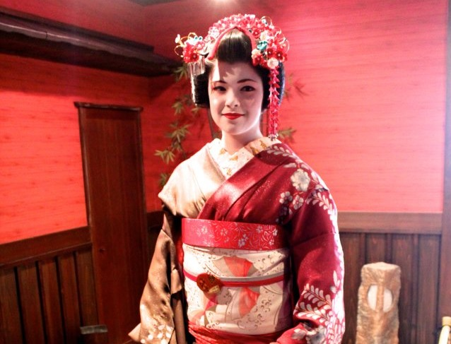 River Davis dresses as a geisha in Japan